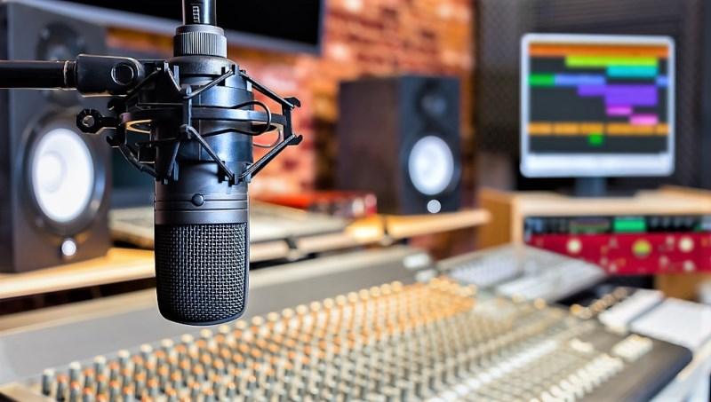 میکروفون استودیویی